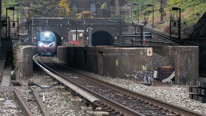 gateway hudson tunnel